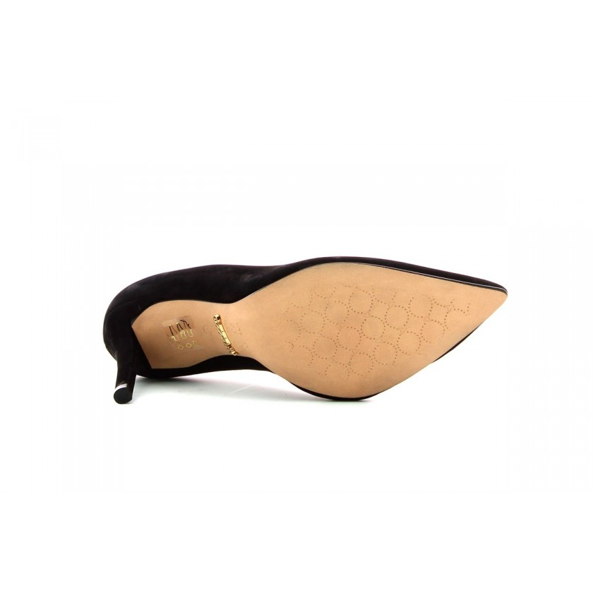 Black shoes for ladies